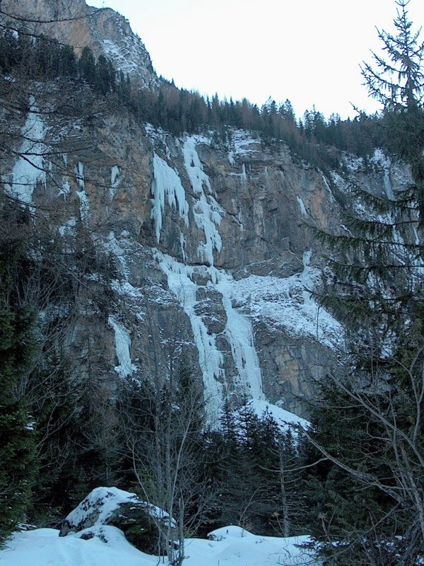 cascades de Kandersteg-oschninental partie de gauche