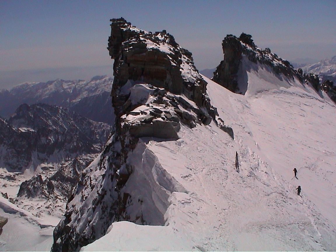 En dessous du sommet , vue sur l'itinéraire de montée
