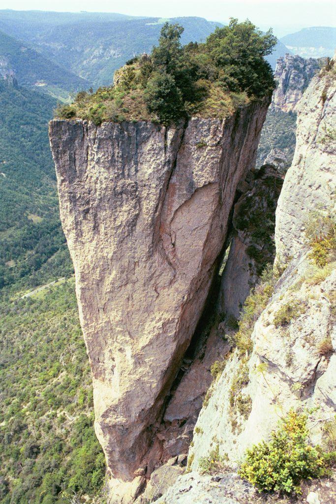 La roche décollée - Gorges de la Jonte