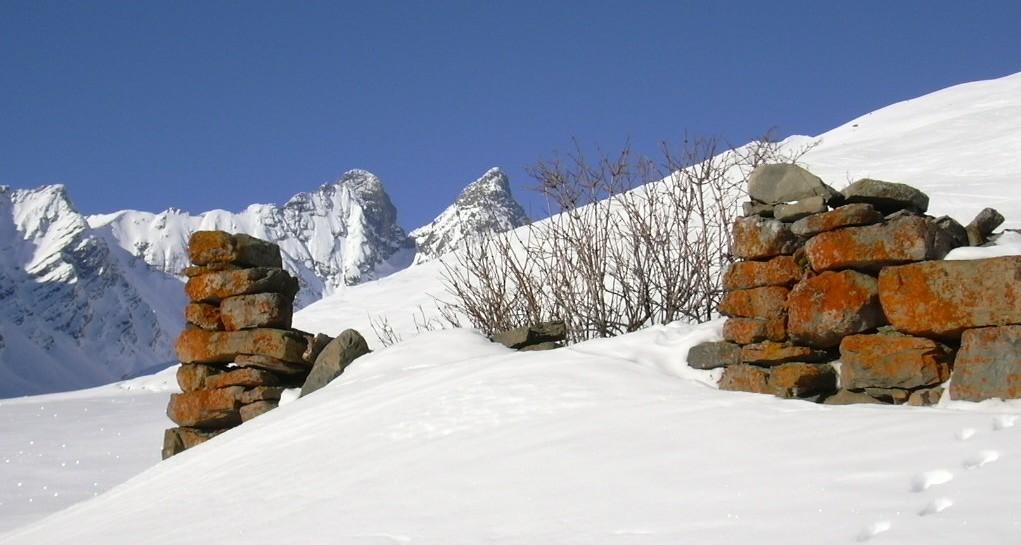 2 aiguilles d'Arves depuis le hameau des Aiguilles