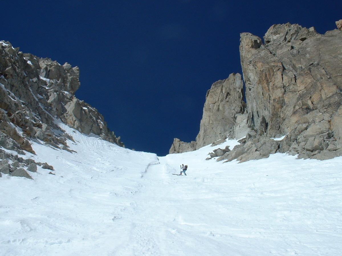 Les 3 cols : col du Chardonnet, descente versant NE