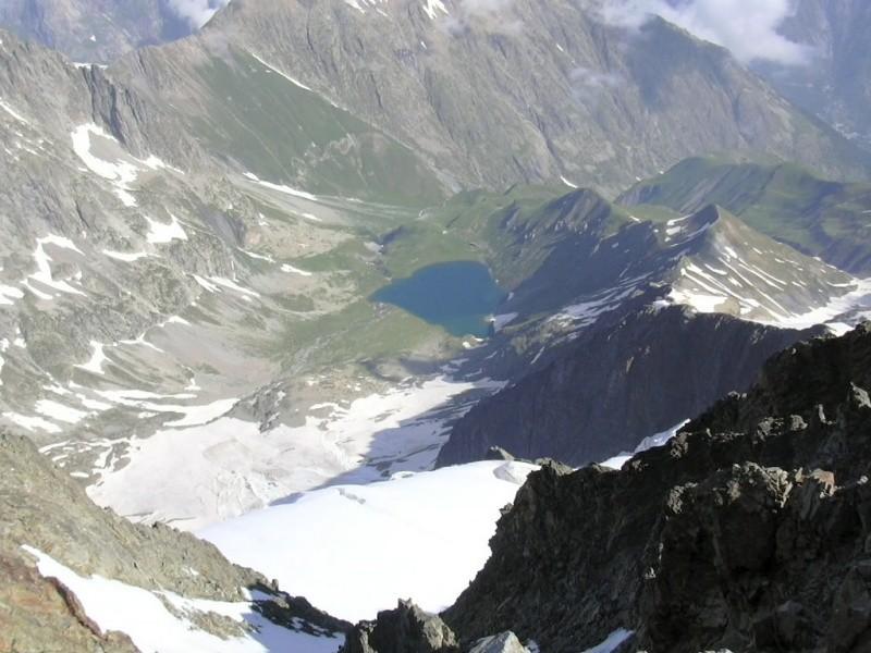 Glacier, lac et refuge de la Muzelle depuis le sommet homonyme