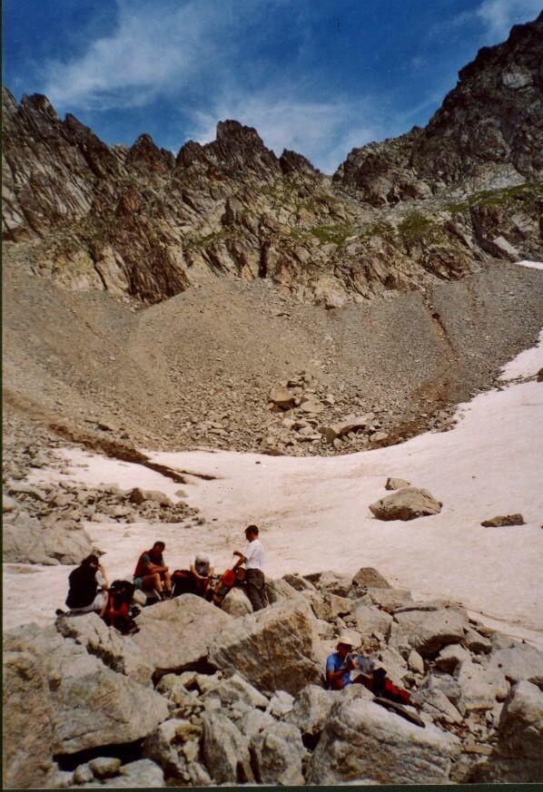 Pause casse-croûte au pied du Col Turbat (coté Valgaudemar)