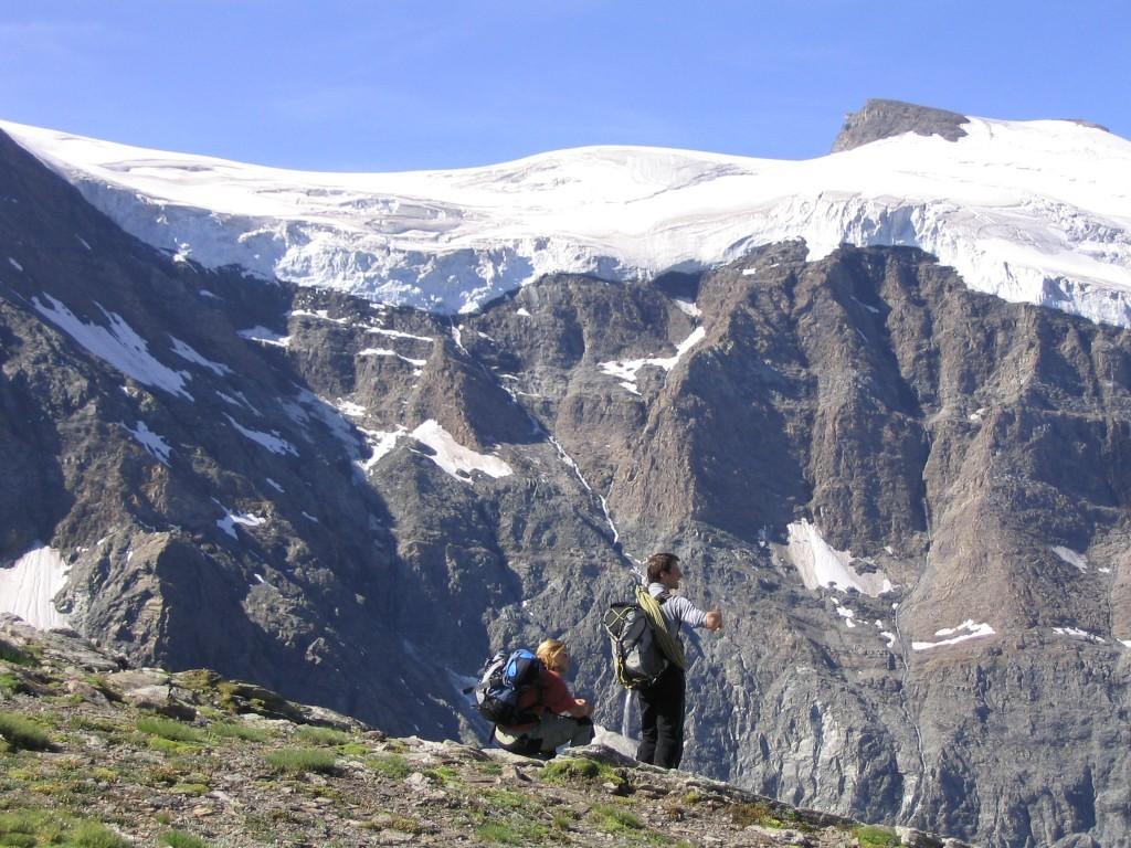 Catherine et Arnaud devant les séracs de l'Albaron