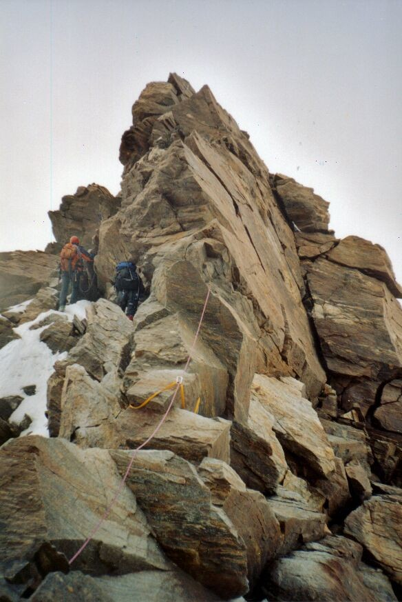 Pointe Dufour : arête rocheuse