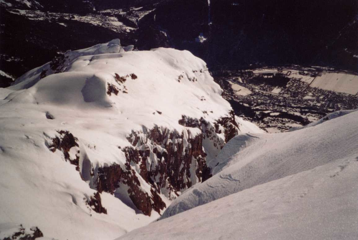 Du sommet de l'aiguille de VARAN,vue sur la pointe de Barmerouse