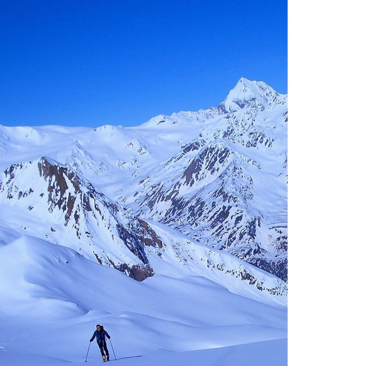 Salita verso la Nonnenspitze-sullo sfondo il Gran Zebru