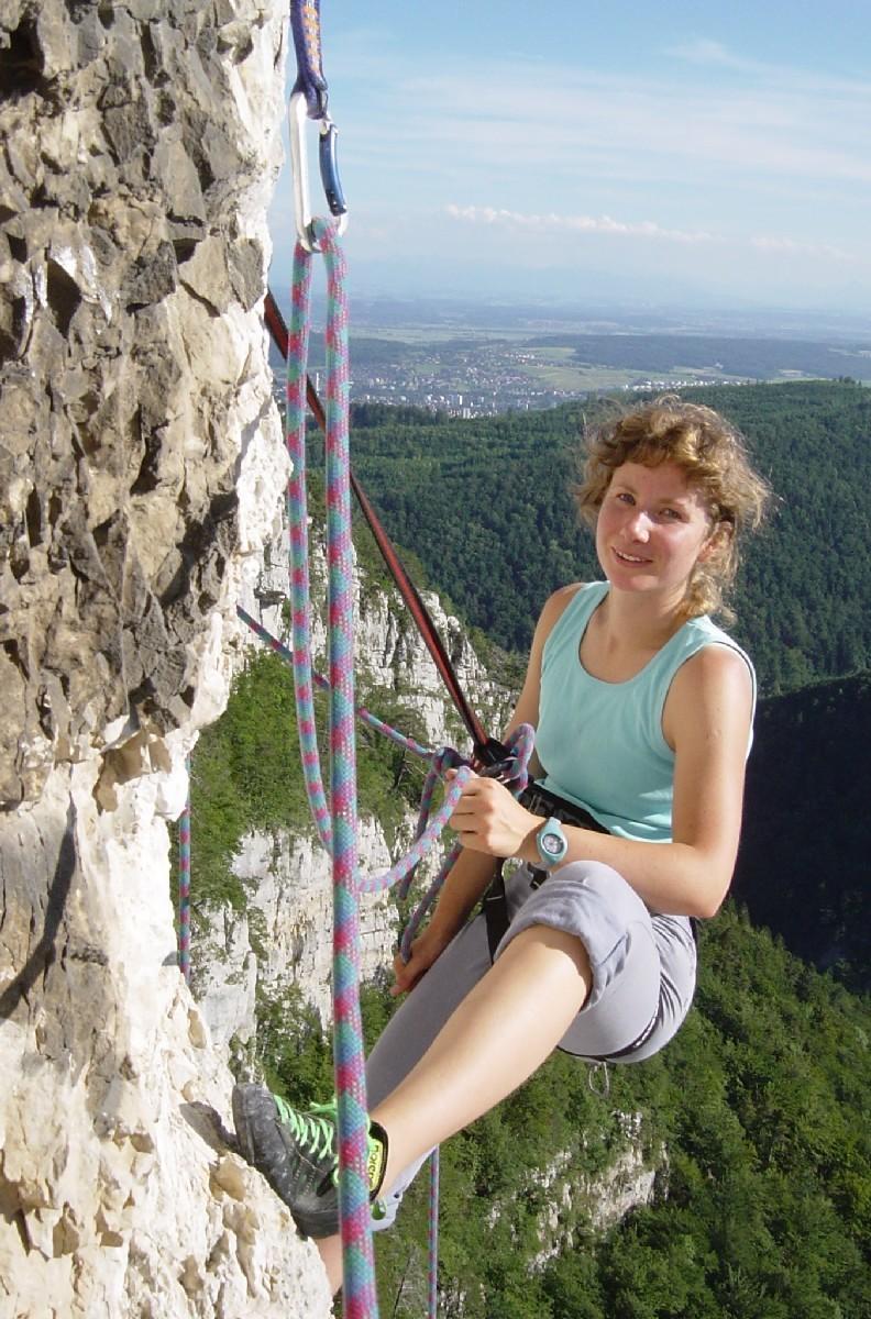 """Carine Devaux dans """"Via Dolomiti"""" à Plagne, Suisse."""