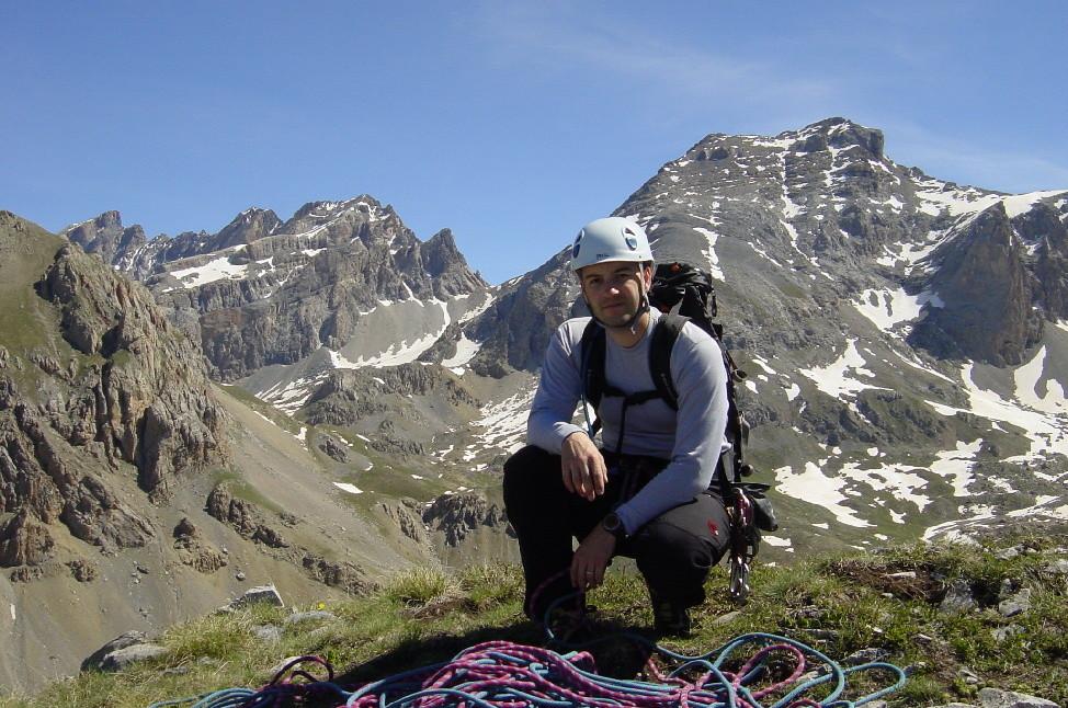 La vue du sommet : à droite l'aiguille du Valonnet