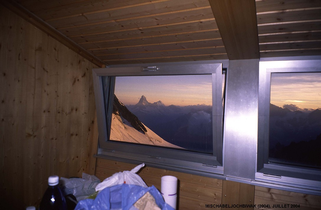 Crépuscule sur le Cervin depuis le bivouac du Mischabeljoch (3850m)