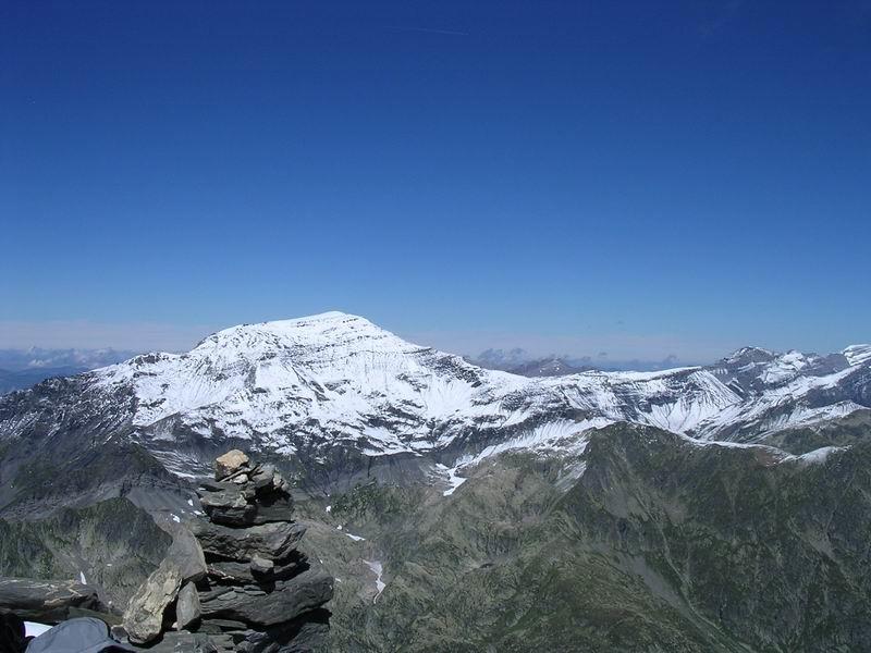 Le Buet depuis le sommet de l'Aiguille du  Belvédère