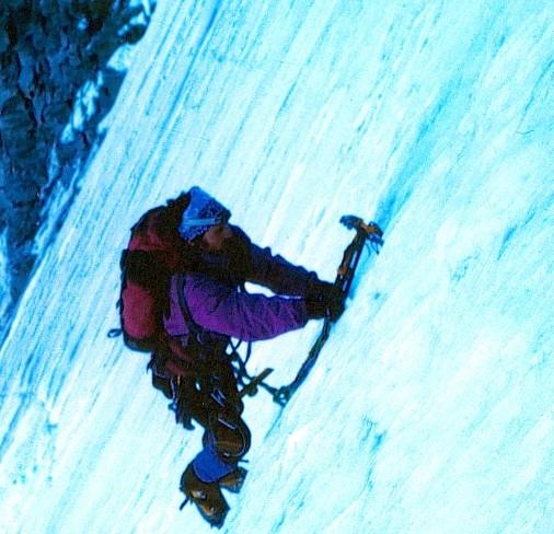 Daniel Bach en la Cara Norte del Grand Paradiso (4068 m)