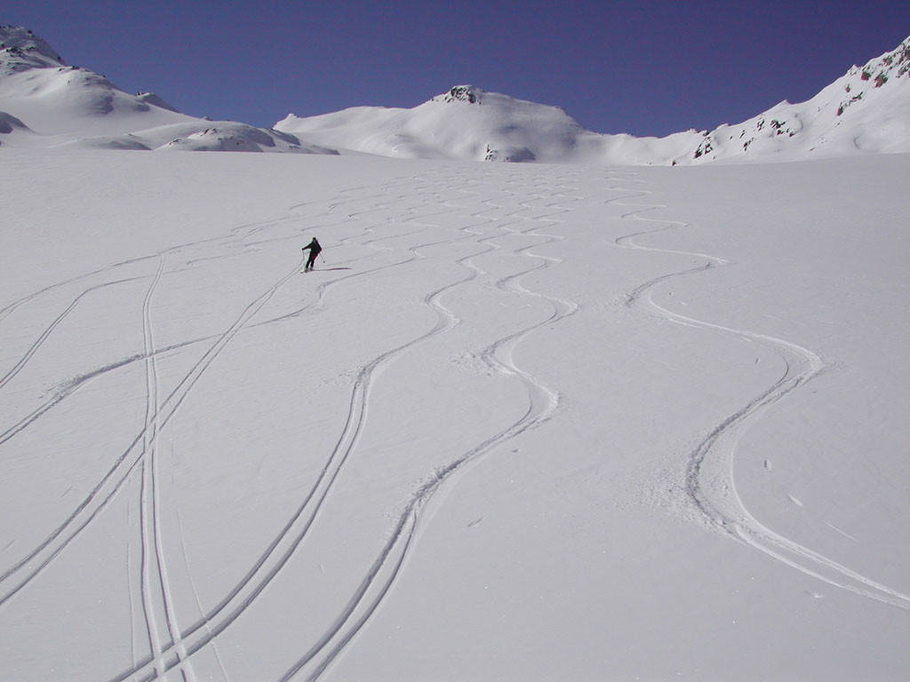 discesa dal Marchorn sul ghiacciaio di Cavagnoo