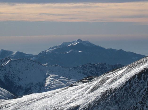 Il Generoso e la Val d'Intelvi dal Monte Lungo