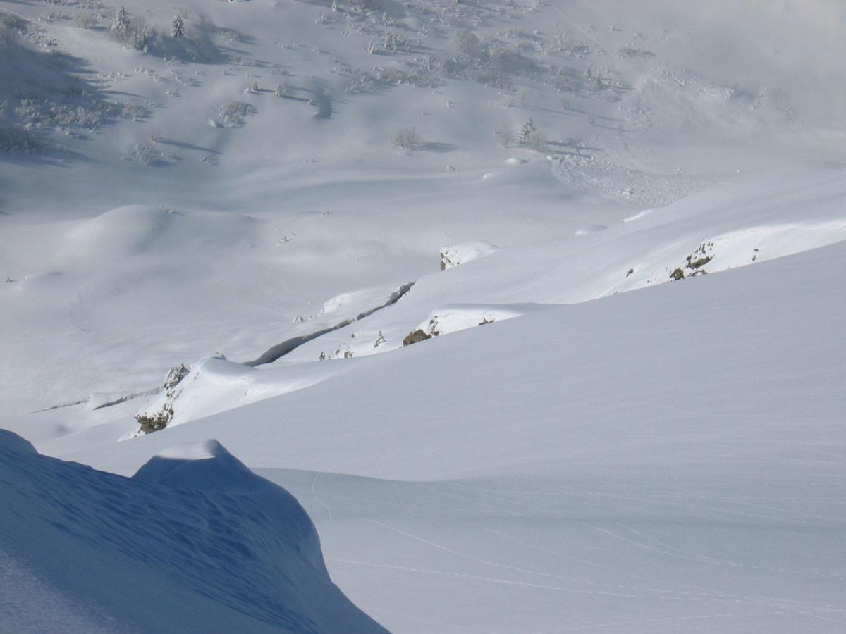 Enorme fissure au pied du versant S de Ressachaux
