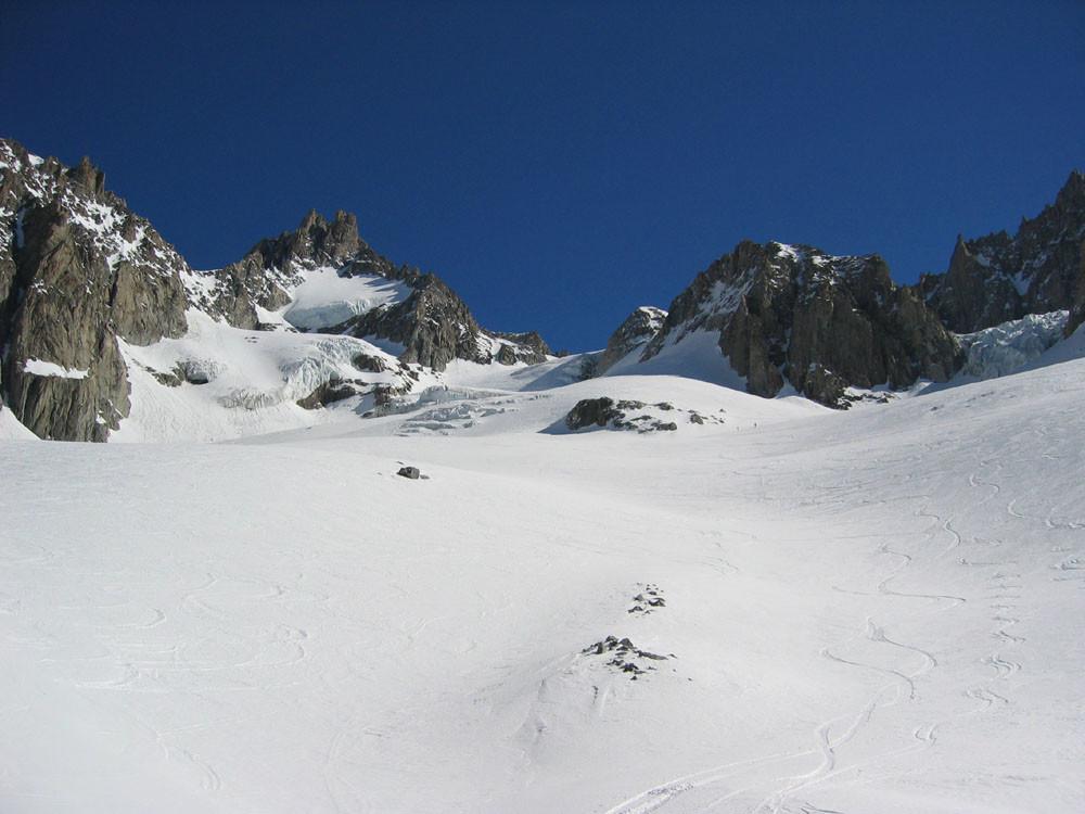 Vue de la montée vers le col d'argentiere (au centre)