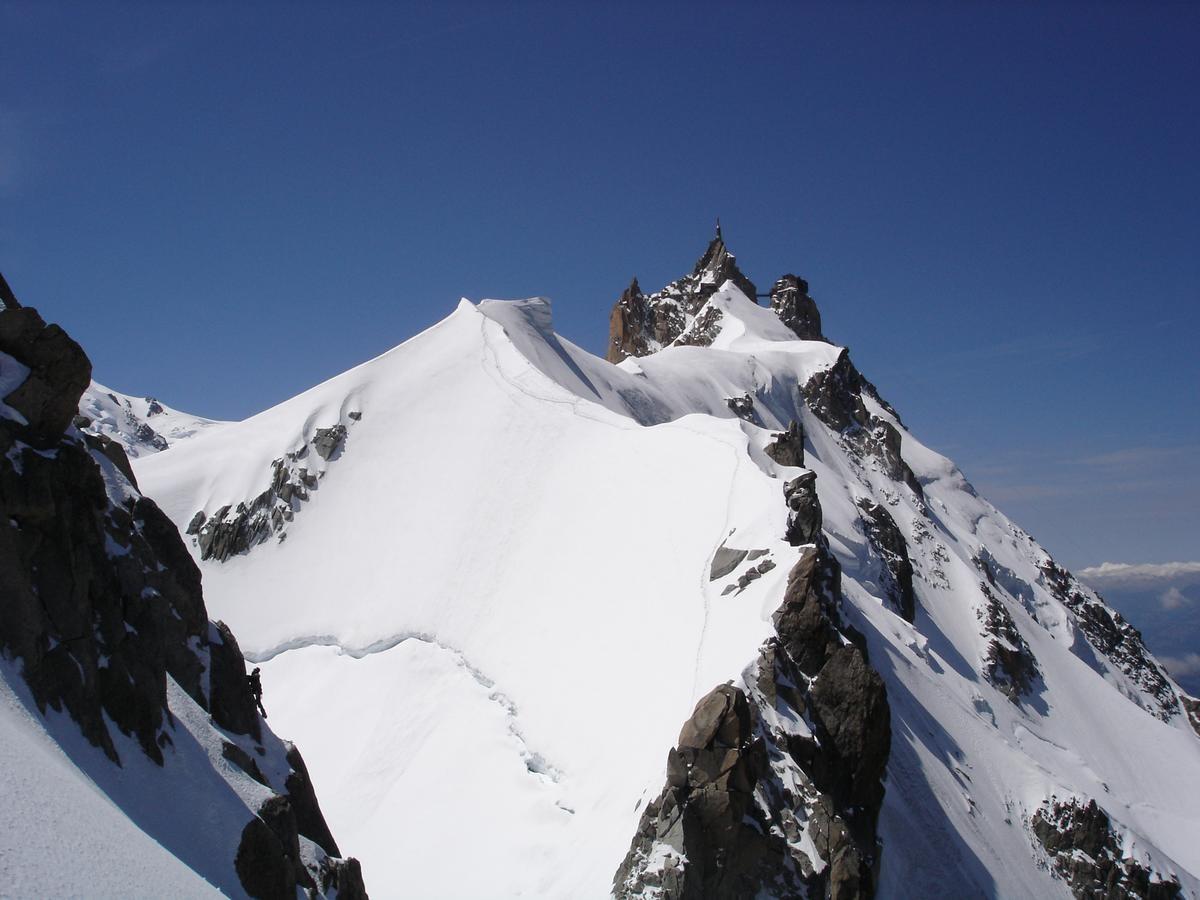 Le dernier passage en neige avant le col et les difficultes rocheuses