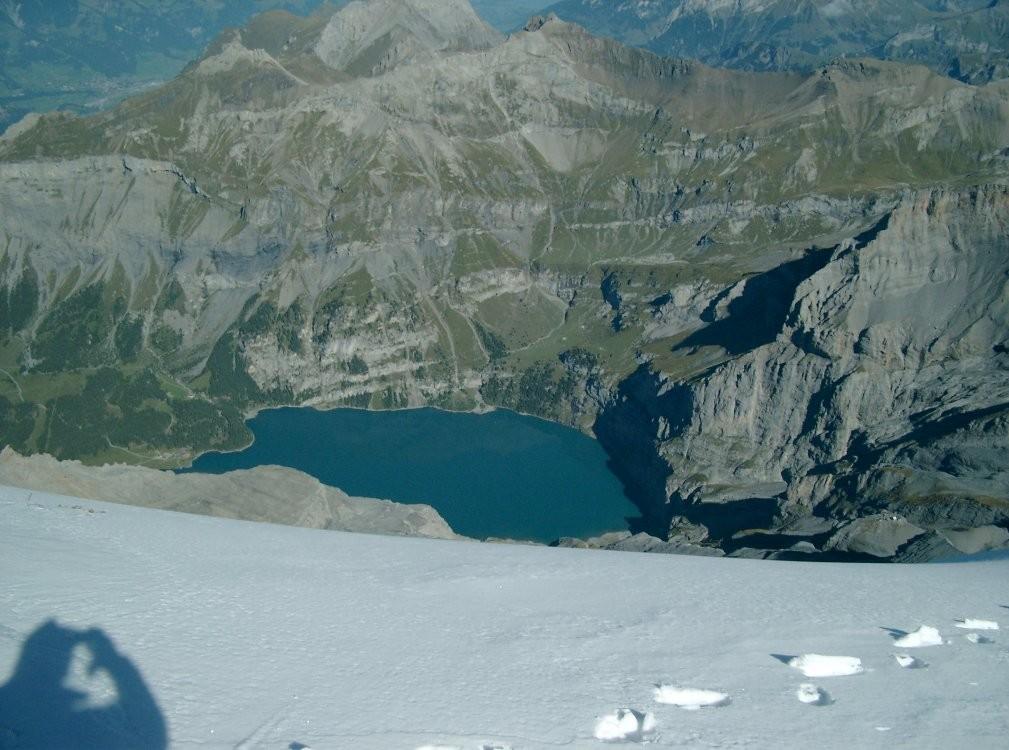 L'Oeschinensee vu du sommet du Doldenhorn