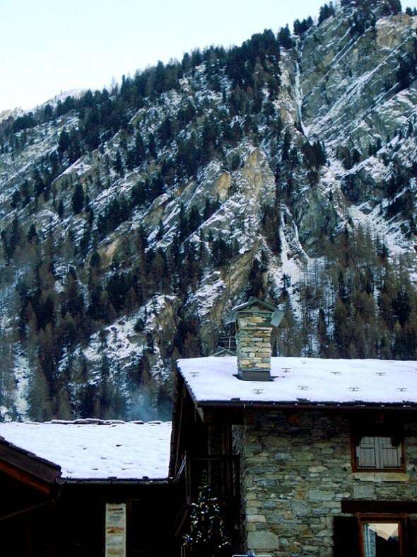Lillaz-Gully : vue générale depuis le village