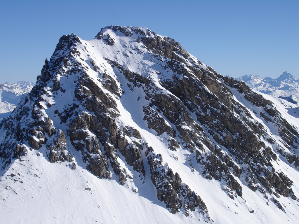 L'Erzhorn 2924 m, durante la salita all'Aroser Rothorn 2980 m.