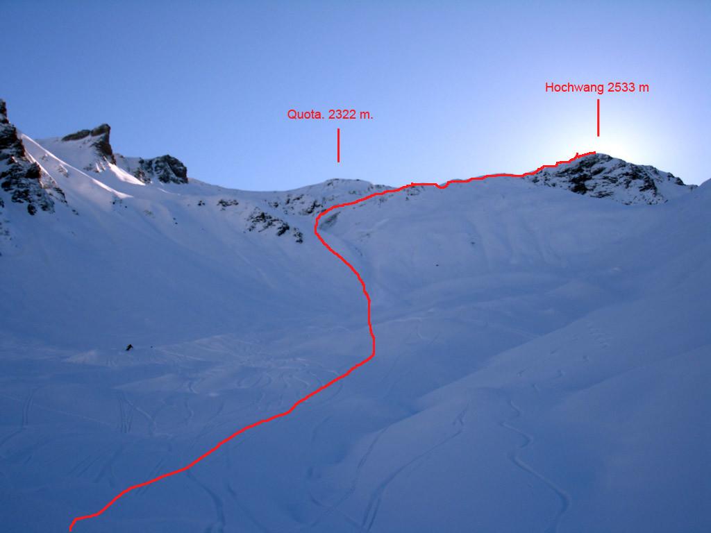 Il primo tratto ripido della discesa dall'Hochwang, scendendo verso Trimmis dal versante Nord Ovest.