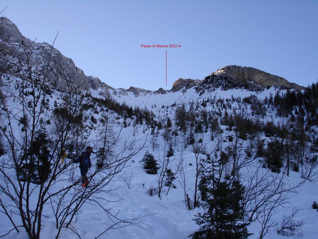 Salendo da Roncobello il vallone  che sale al Passo di Menna 2002 m.