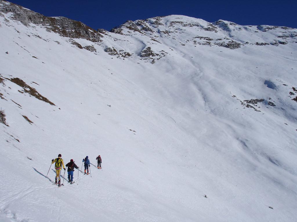 Verso la Cima di Menna 2300 m.