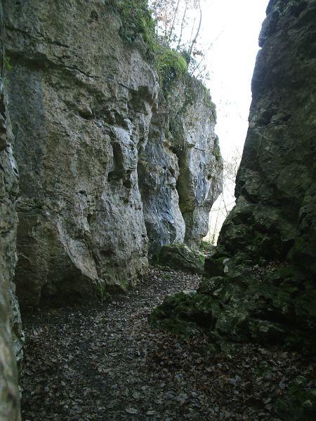 Roches Enchantées-Excideuil. Ouest de la falaise, sortie de la brêche.