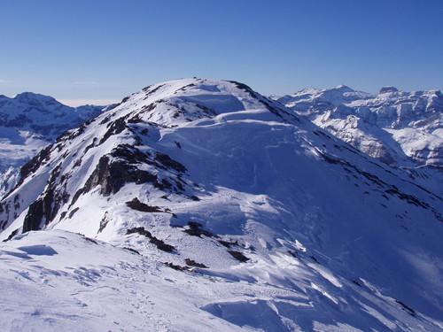 pic Maou 3074 m entre Munia et Mont Perdu.