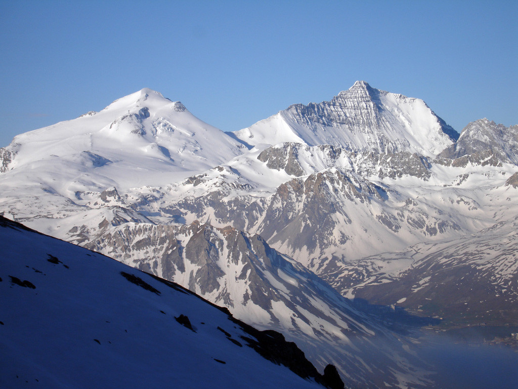 Vista sulla Grande Motte 3656 m a sx e Grand Casse 3852 m a dx.