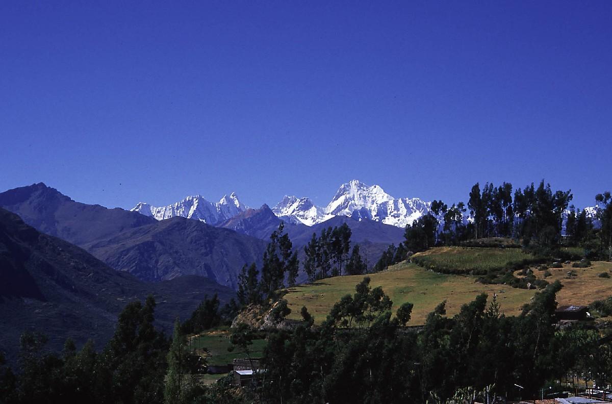 Cordillère de Huayhuash vue depuis le village de Chiquian (3400m)