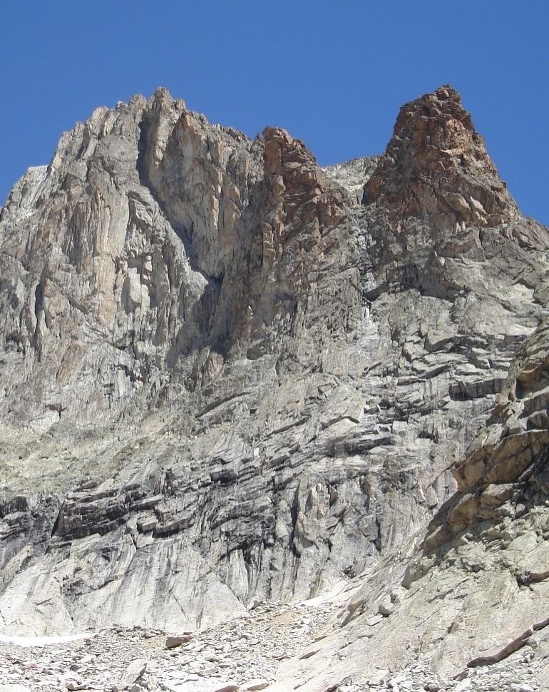 Orientale Soreiller et tours versant SW