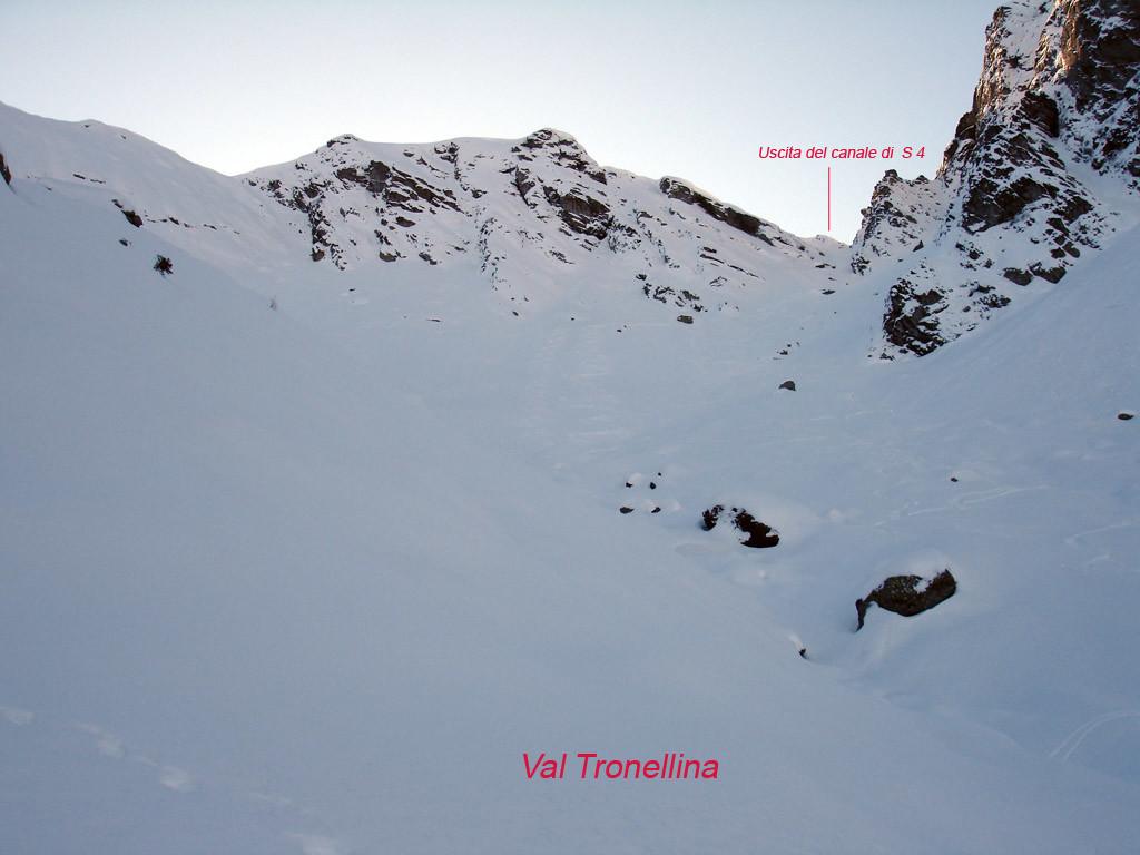 Il canalino di S 4 in Val Tronellina.