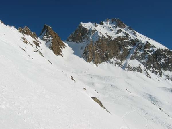 Il passo Valleggia Occ. dal passo Grandinagia,con il P.ne di Valleggia a ds.