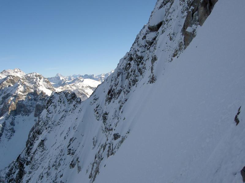 Arête de la Gouille vue depuis la face N du Mont-Vélan
