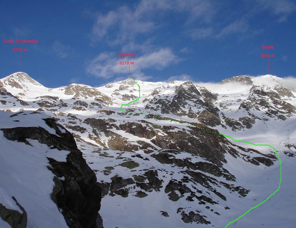 Il versante SE  della costiera Cima di Camadra , Piz Medel, e quota 3015 m, Val Camadra.