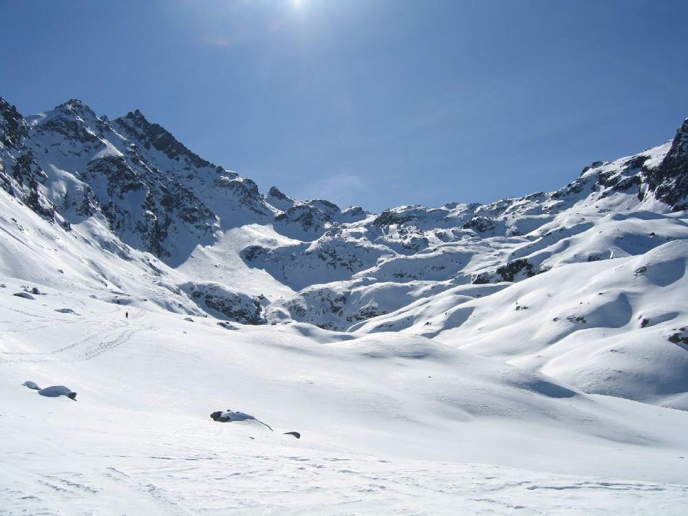 Il tratto intermedio:dopo un lungo traverso ripidi pendii da farsi solo con neve sicura