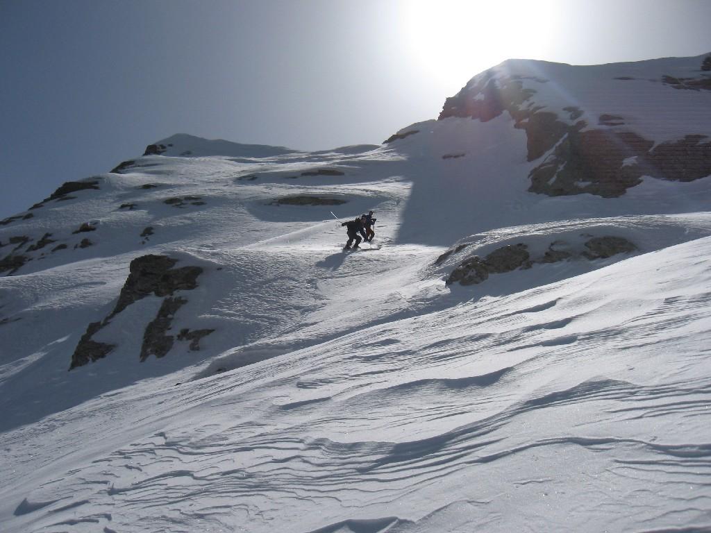 début de la descente du col 2490m