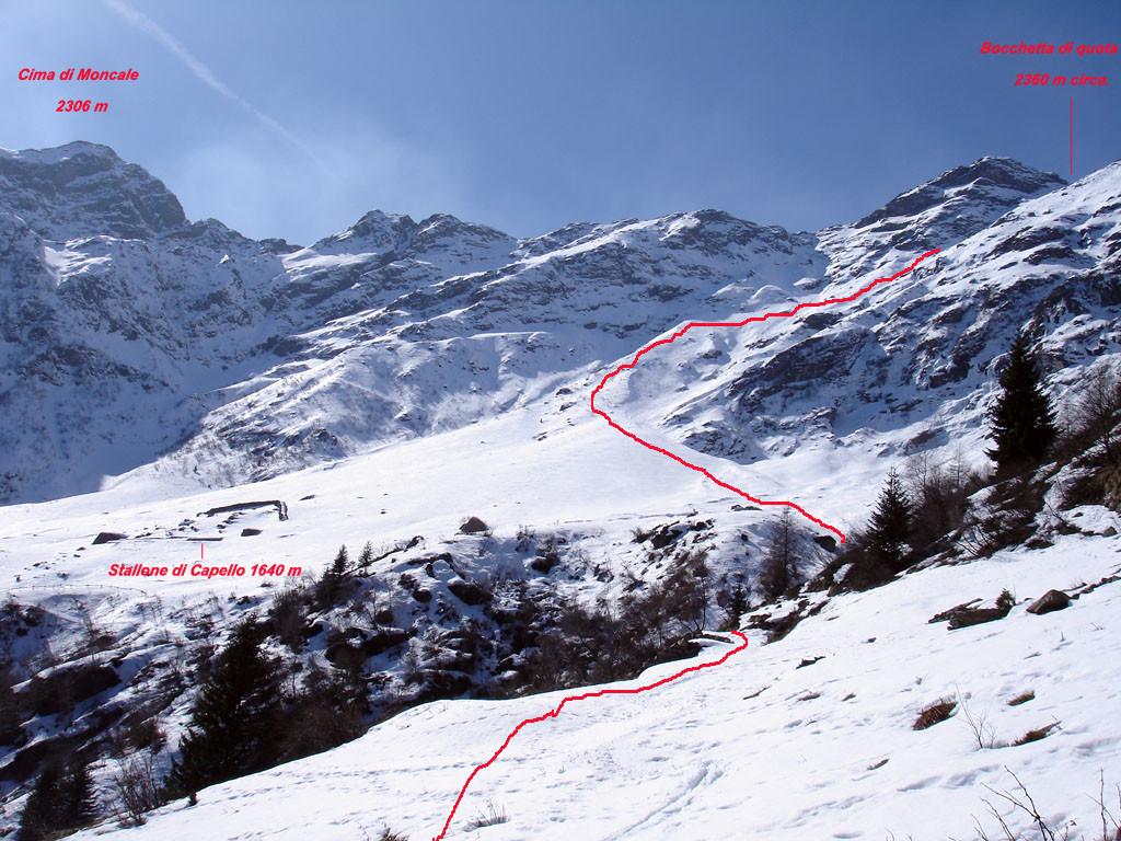 Parte del tracciato di salita al Monte Legnone 2610 m,  versante ENE, visto nei pressi dell'Alpe Capello 1521 m.