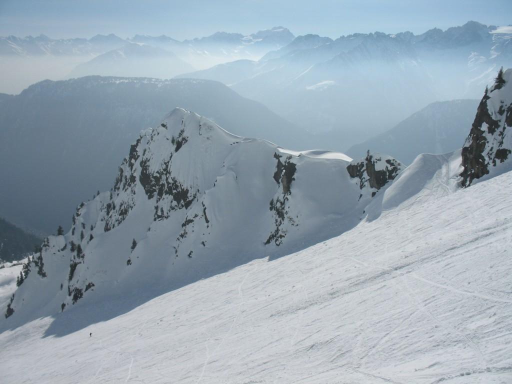 Belle ambiance à la montée sur les massifs du Gd Combin et du Mont Blanc