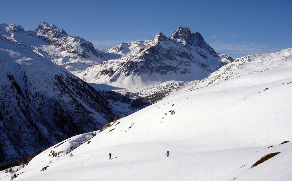 Il bel panorama che si incontra durante la salita al Monte Forcellina 3087 m.