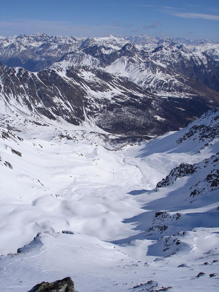 La Vallaccia Corta, ripresa dalla cima del Monte Forcellina 3087 m.