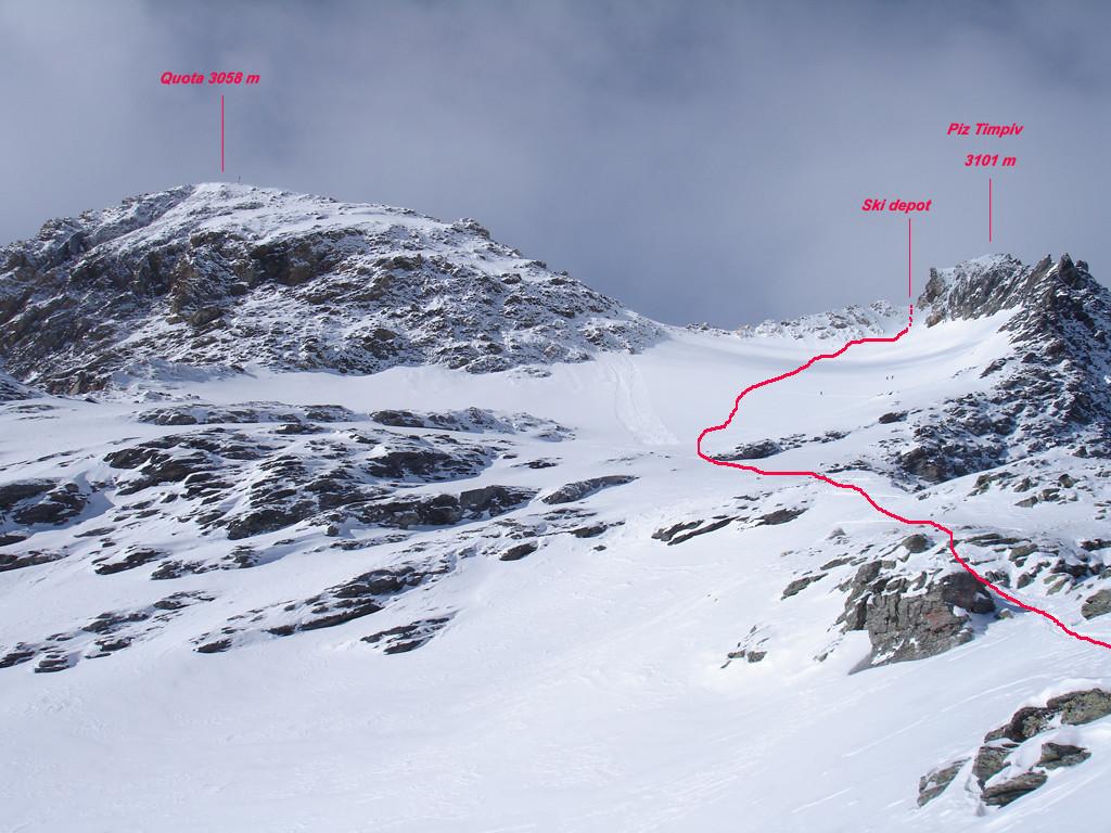 Il versante ENE del Piz Tumpiv 3101 m ed il piccolo ghiacciaio.