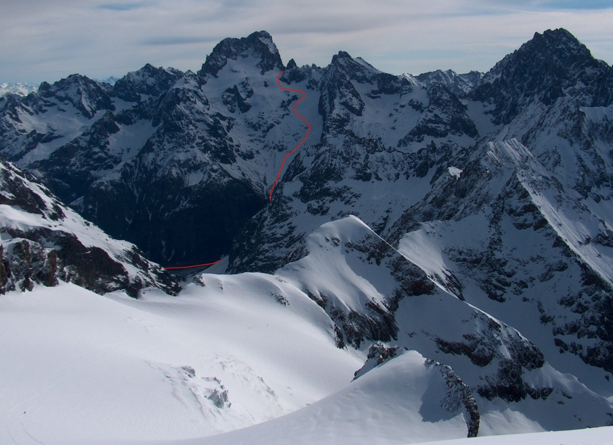 Le versant SW des Ecrins.