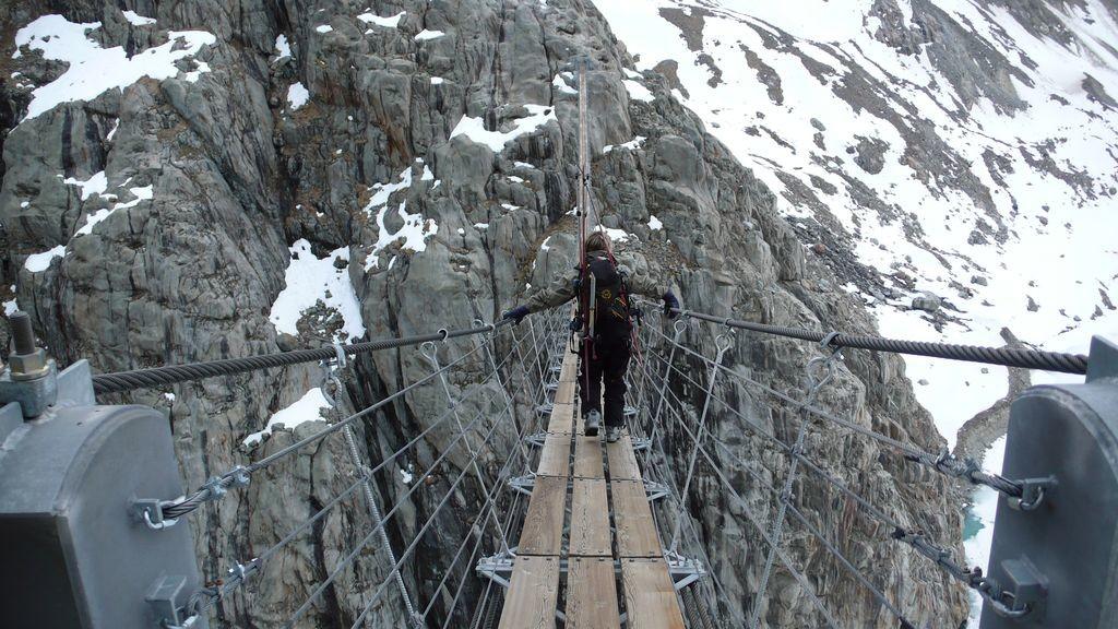 Le fameux pont suspendu du Trift