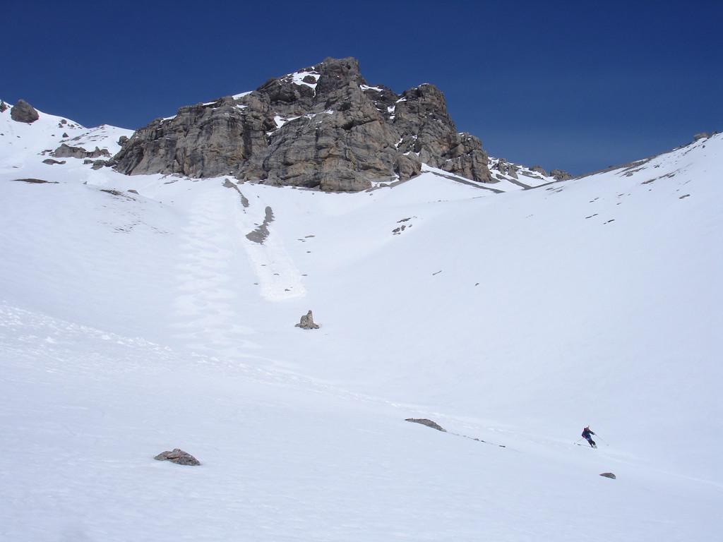 Le belle curve su firn perfetto lasciate da noi, durante la discesa in Val Canciano.