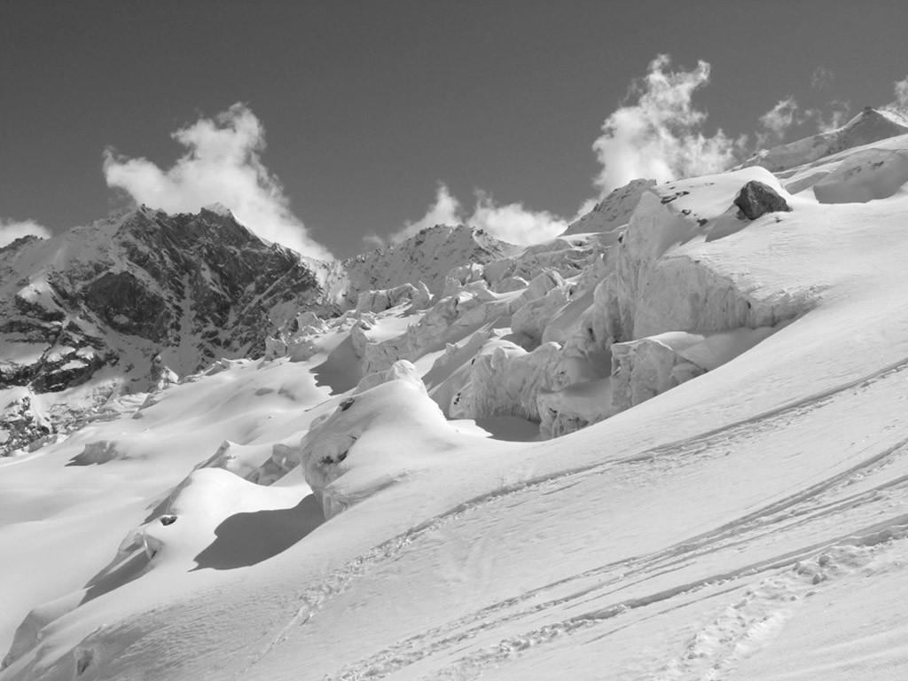 Descente sur le glacier de Blanc de Moming