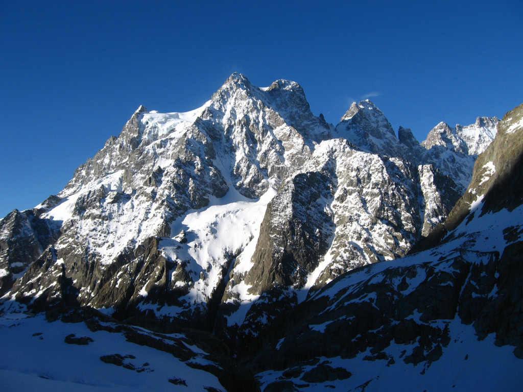 Vue sur la Face Nord du Mont Pelvoux (Triangle de la Momie)