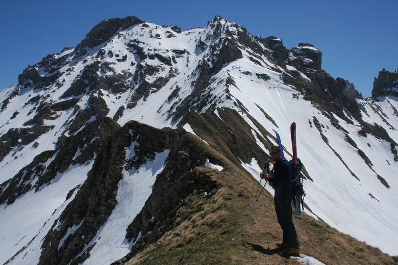 Tour de l'Aiguille du Grand Fond : sur le sommet 2582 du col d'Arpire