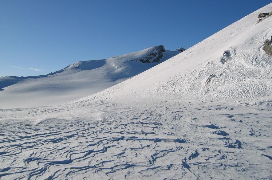 Tête du Ruitor( 3497m), vu depuis le Noeud des Vedettes (3297m)